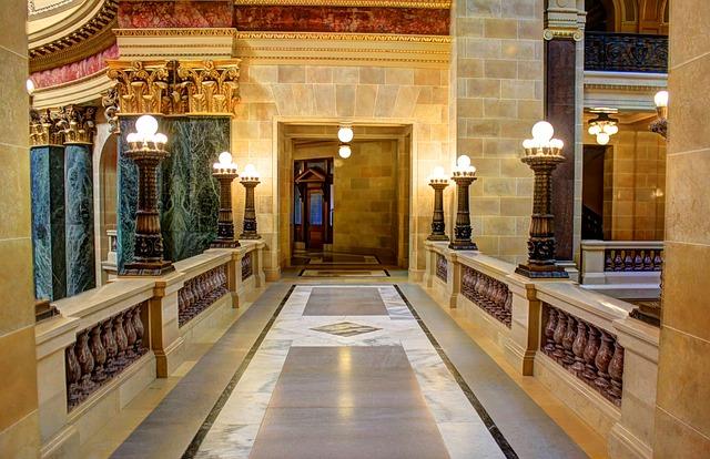 walkway-347319_640